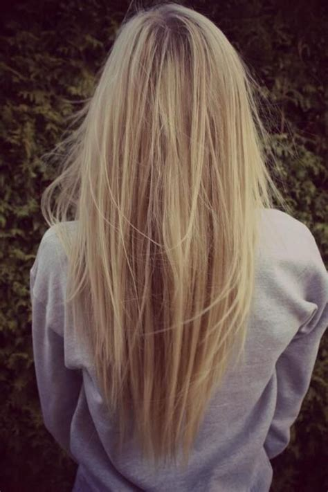 pretty v cut hairs styles coupes en v d 233 grad 233 en v and coiffure on pinterest