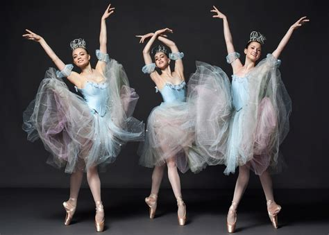 how george balanchine s production of the nutcracker