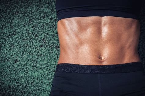 strengthen the abdominal muscles with weight exercises