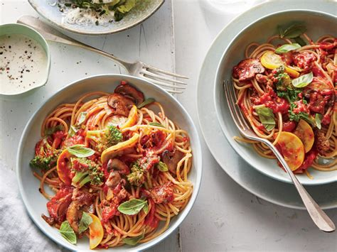 Light Green Veggie Pasta For Dinner by Mostly Veggie Pasta With Sausage Recipe Cooking Light