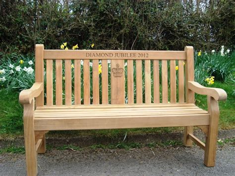 www bench co uk kenilworth 1 5m fsc certified teak memorial bench with central panel