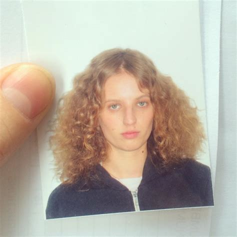 petra collins pubic hair young photographer selfies petra collins indie magazine