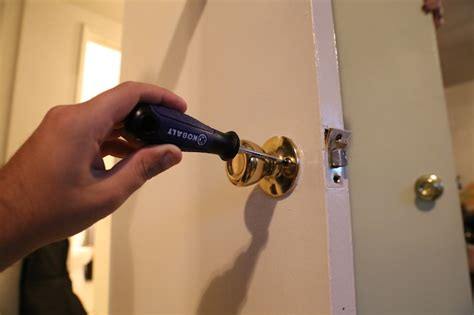 how to remove bedroom door knob how to remove a bedroom door knob collection how to change
