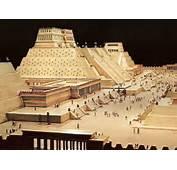 Antiguas Construcciones Aztecas En La Zona Arqueol&243gica De Tlatelolco