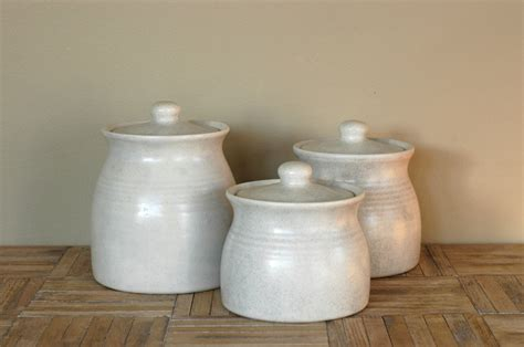 ceramic kitchen canisters sets vintage white ceramic canisters set of 3 by bonnbonn on etsy