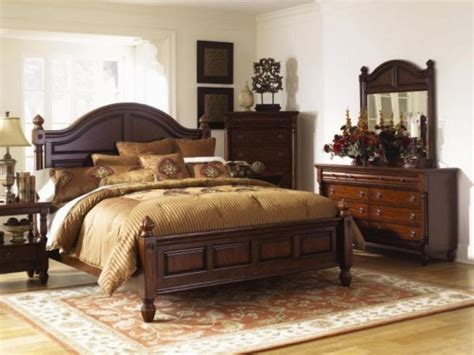 Decorating Bedroom Furniture by Decorating Bedroom With Cherry Furniture Ideas Room