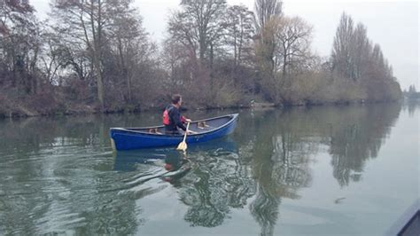 thames river paddling routes canoeing on the thames canoe london canoe london
