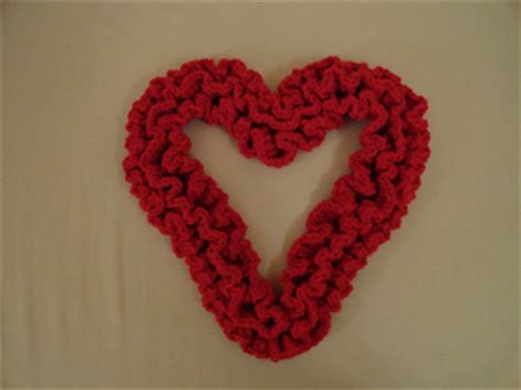 pattern for heart wreath ravelry sweet ruffles a crochet heart wreath pattern by
