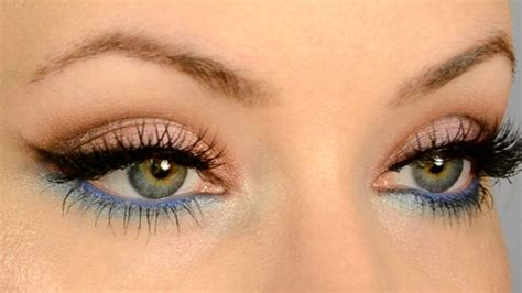what colors make up blue make your eye color pop for gold and blue makeup