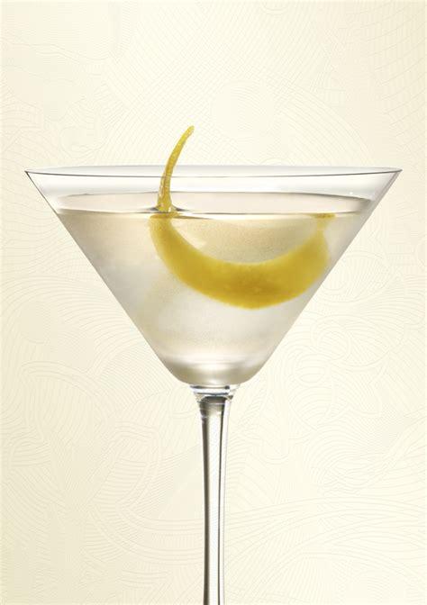 martini sapphire cocktail bombay sapphire