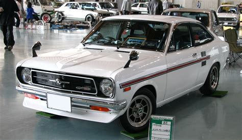 nissan sunny old model modified file datsun sunny b110 gx jpg wikimedia commons