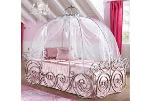 carriage bed disney princess and on