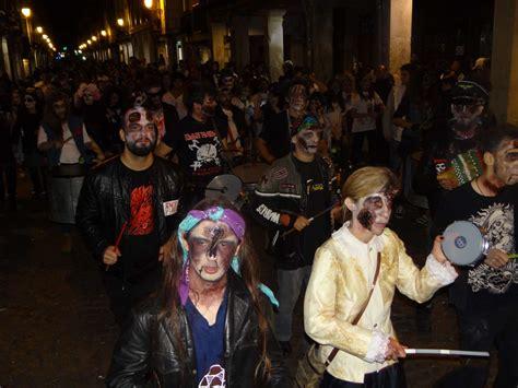 la marcha zombi 8499894046 batucada en la 5 170 marcha zombie de alcal 225 de henares dream alcal 225