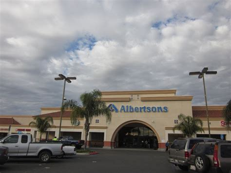 albertsons in menifee will be going out of business