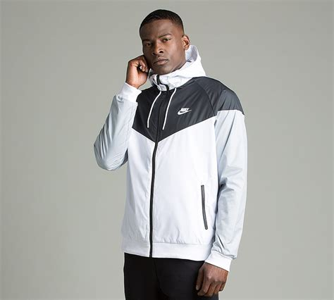 Jaket Parasut Nike Jaket Windbreaker Windrunner Grey Black 1 nike windrunner jacket white black wolf grey footasylum