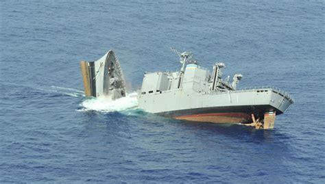 pt boat vs swift boat mk48 torpedo from hmas farncomb sinks target ship ex usns