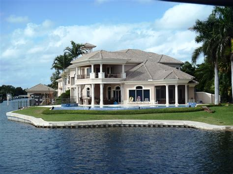 nice mansions at the beach house nice house on beach nice houses on the