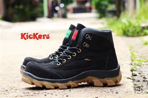 review sepatu pria safety tracking gunung boot kickers