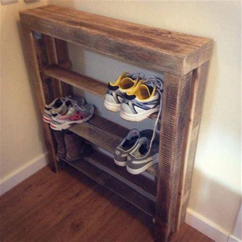 Diy Wood Shoe Rack by Diy Reclaimed Pallet Wood Shoe Rack Pallet Furniture Diy