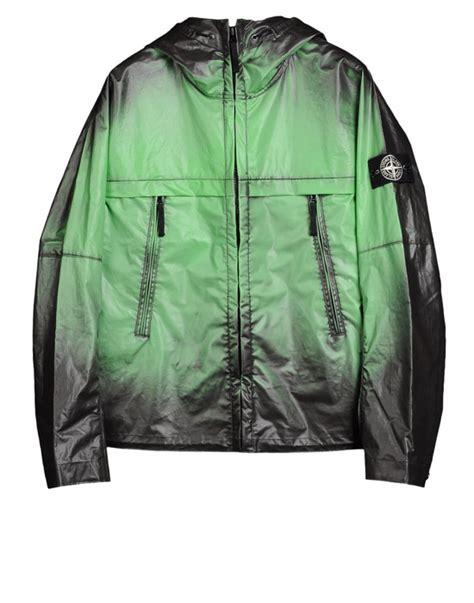 color changing jacket island s heat reactive jacket changes color