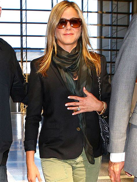 you asked we found looks aniston s scarf