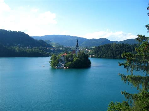 slovenia lake bled castle on the same lake slovenia facts land
