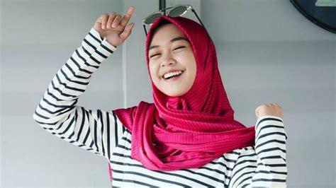tutorial hijab ria ricis 10 youtuber indonesia paling tajir ada orang depok juga lho