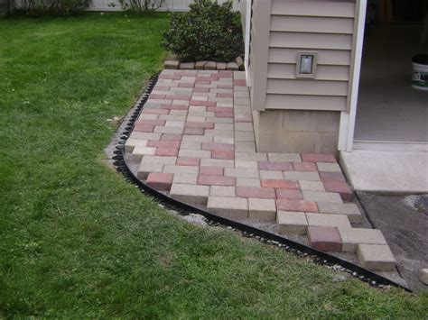 Patio Pavers Diy Diy Paver Patio On Slope Modern Patio Outdoor