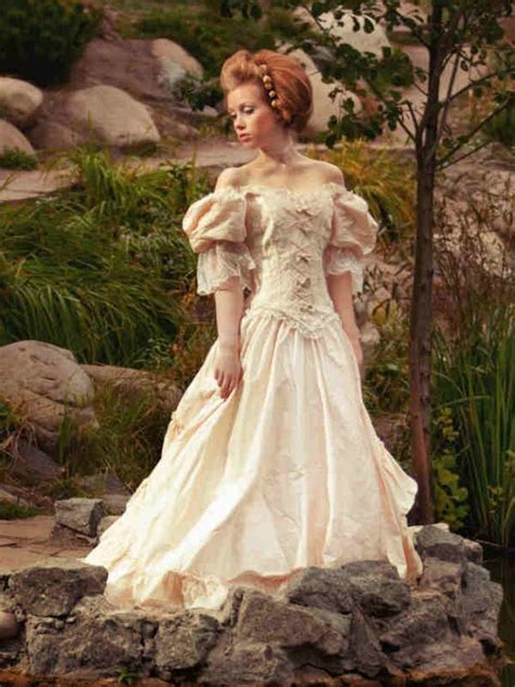 renaissance wedding dresses looking for ideas and