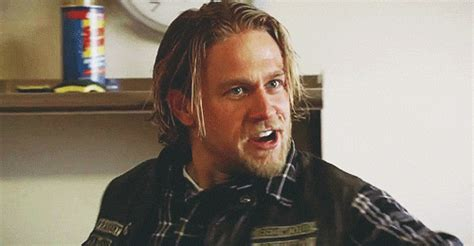 getting a jax teller hairstyle jax teller charlie hunnam haircut hairstyle name from