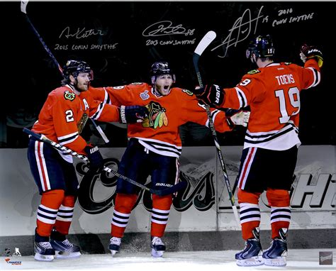 blackhawks bench patrick kane duncan keith and jonathan toews chicago