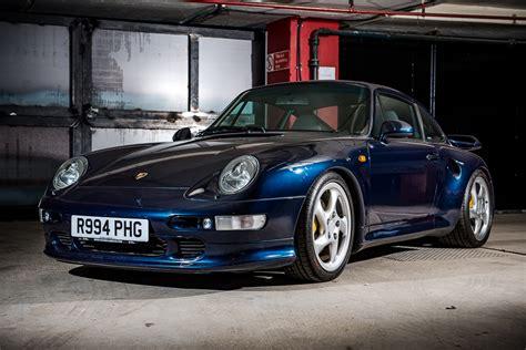 Porsche 993 Turbo by 163 250k Porsche 993 Turbo S Headlines Silverstone Auction
