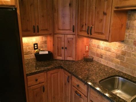 backsplash with maple cabinets tropical brown granite with maple cabinets search