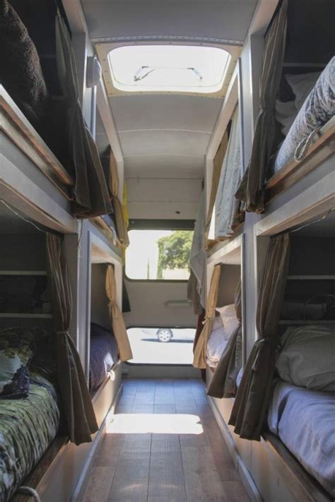 8 Students Convert Old School Bus into an Amazing DIY