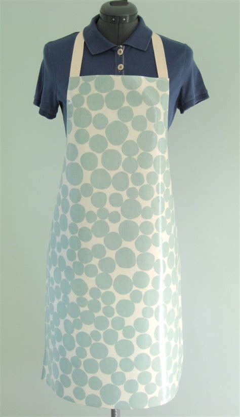 pattern for pvc apron 75 best pvc oilcloth aprons images on pinterest oilcloth