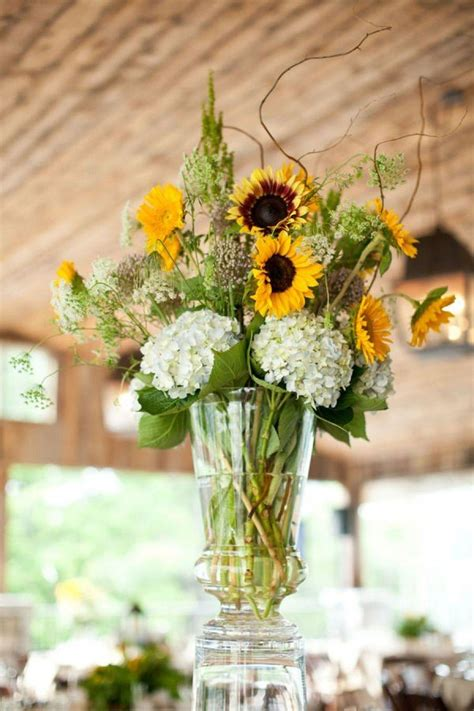 cheerful sunflower wedding centerpiece ideas