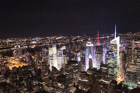 on the scene ny night scene picture of empire state building new york