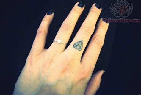 diamond tattoo ring finger diamond tattoo images designs