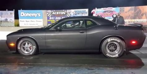manual trans dodge challenger hellcat  mile record