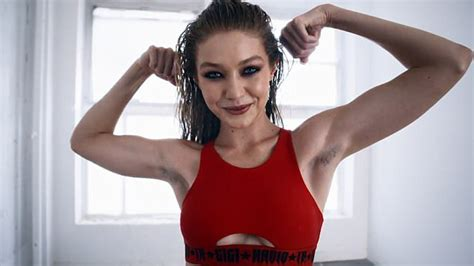 Wears Bikinis Doesnt Shave Armpits by Gigi Hadid Wears Sports Bra As She Hosts