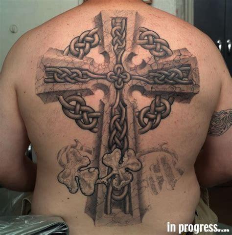 满背十字架 宗教纹身图案大全 纹身图吧 全球纹身图片 纹身图案大全