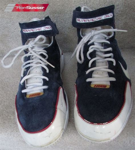 nike huarache 2k4 basketball shoes nike air zoom huarache 2k4 navy white suede basketball