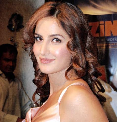 actor priyanka chopra bio data bollywood celebrities katrina kaif biodata