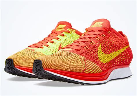 Sepatu Nike Flyknit Racer Bright Crimson Volt Orange 1 nike flyknit racer bright crimson volt sneakernews
