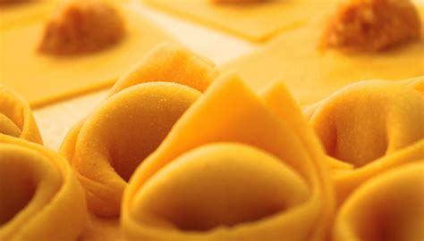 ravioli di zucca alla mantovana ricetta tortelli di zucca alla mantovana le ricette de la