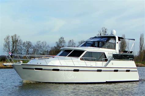 jacht boot 8 persoons boot elisa huren zonder vaarbewijs in friesland