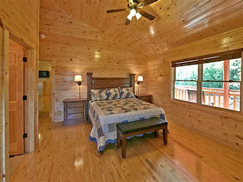 11 bedroom cabins in gatlinburg pigeon forge cabin splash mansion 11 bedroom sleeps