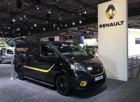renault minivan f1 iaa 2016 renault links f1 to lcvs van advisor