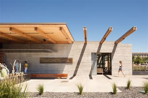 graham baba architects gallery of cowiche canyon kitchen and icehouse bar