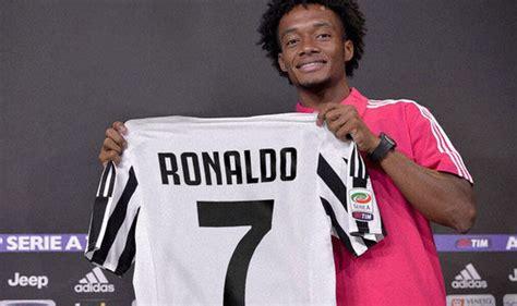 ronaldo juventus arrival cristiano ronaldo to juventus juan cuadrado has his say on ronaldo taking no 7 shirt football